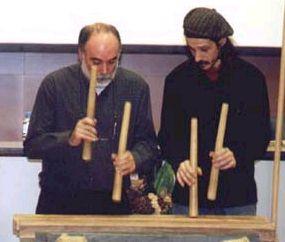 J. Beltrán tocando txalaparta